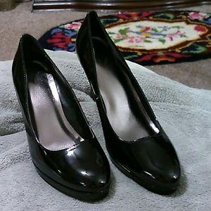 Studio 1940 Black Heels NEW 9 1/2 W